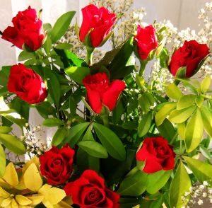 bukiet czerwonych roz o symbolice